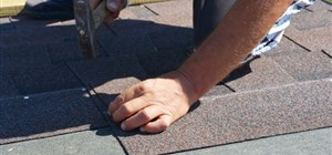 5 Reasons to Hire Local Roof Services